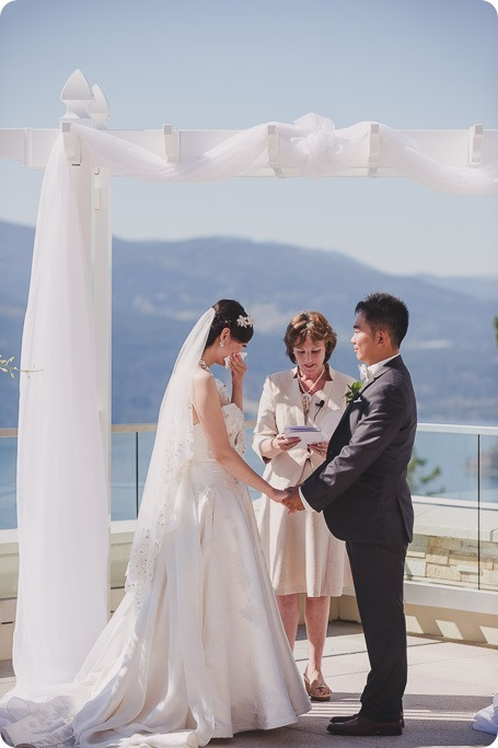 Sparkling-Hill-Resort-wedding_Chinese-Tea-Ceremony_Kalamalka-Lake-portraits_Okanagan-wedding-photographer-Kelowna-Vernon_161845_by-Kevin-Trowbridge