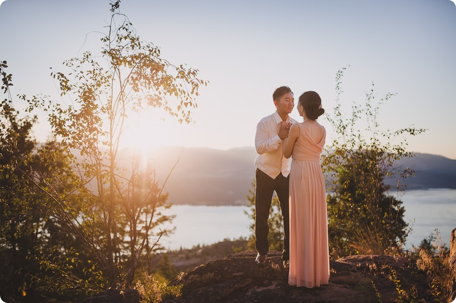 Sparkling-Hill-Resort-wedding_Chinese-Tea-Ceremony_Kalamalka-Lake-portraits_Okanagan-wedding-photographer-Kelowna-Vernon_203007_by-Kevin-Trowbridge