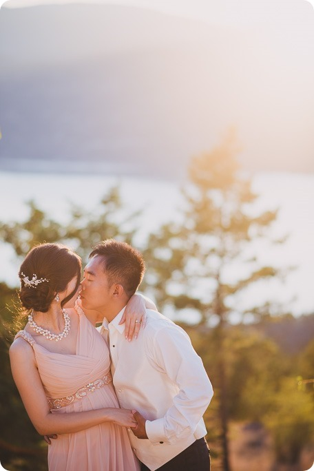 Sparkling-Hill-Resort-wedding_Chinese-Tea-Ceremony_Kalamalka-Lake-portraits_Okanagan-wedding-photographer-Kelowna-Vernon_203418_by-Kevin-Trowbridge