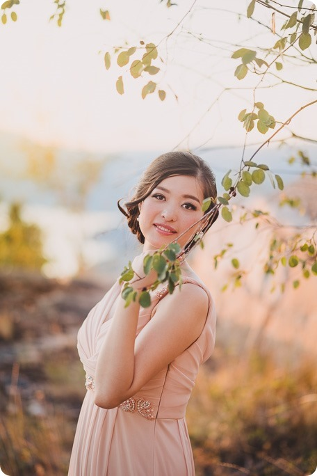 Sparkling-Hill-Resort-wedding_Chinese-Tea-Ceremony_Kalamalka-Lake-portraits_Okanagan-wedding-photographer-Kelowna-Vernon_203906_by-Kevin-Trowbridge