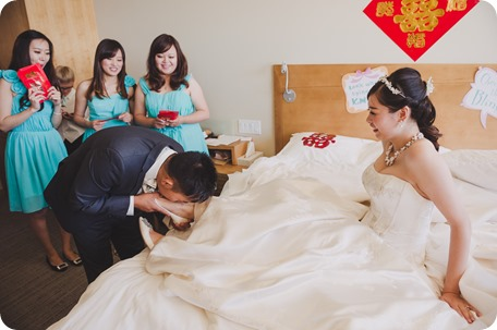 Sparkling-Hill-Resort-wedding_Chinese-Tea-Ceremony_Kalamalka-Lake-portraits_Okanagan-wedding-photographer-Kelowna-Vernon_122857_by-Kevin-Trowbridge
