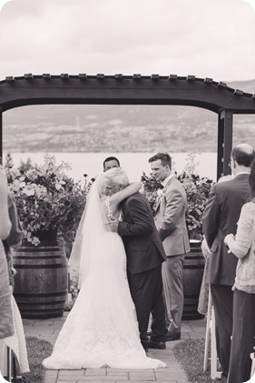 Summerhill-Winery-wedding_Eldorado-Hotel_Okanagan-Lake-portraits_Kelowna-wedding-photographer_132952_by-Kevin-Trowbridge