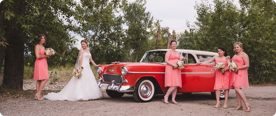 Harvest-Golf-Club-wedding_orchard-classic-car_Kelowna-photographer__150048_by-Kevin-Trowbridge