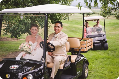 Harvest-Golf-Club-wedding_orchard-classic-car_Kelowna-photographer__162649_by-Kevin-Trowbridge
