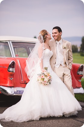 Harvest-Golf-Club-wedding_orchard-classic-car_Kelowna-photographer__172639_by-Kevin-Trowbridge