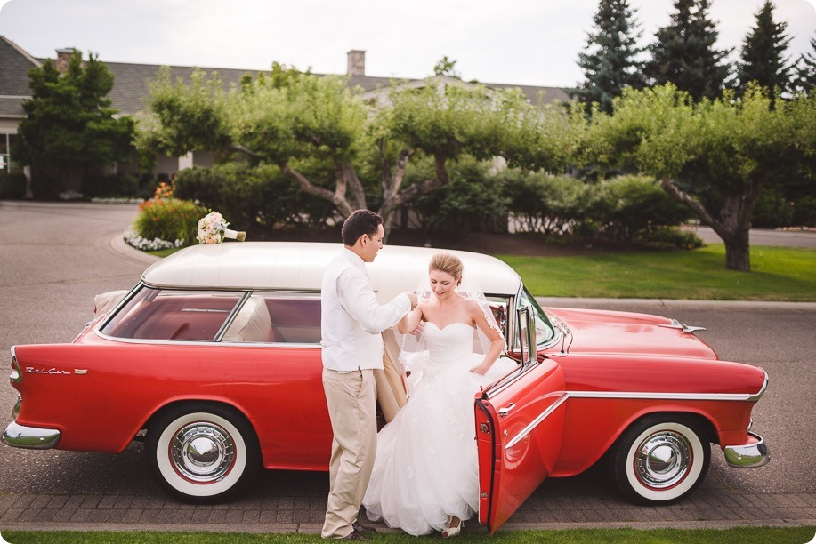 Harvest-Golf-Club-wedding_orchard-classic-car_Kelowna-photographer__173523_by-Kevin-Trowbridge