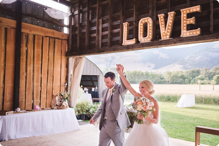 Vernon-Barn-wedding_Silver-Sage-Stables_vintage-decor_Kalamalka-lake-farm_Okanagan-photographer__by-Kevin-Trowbridge-photography_Kelowna_190008
