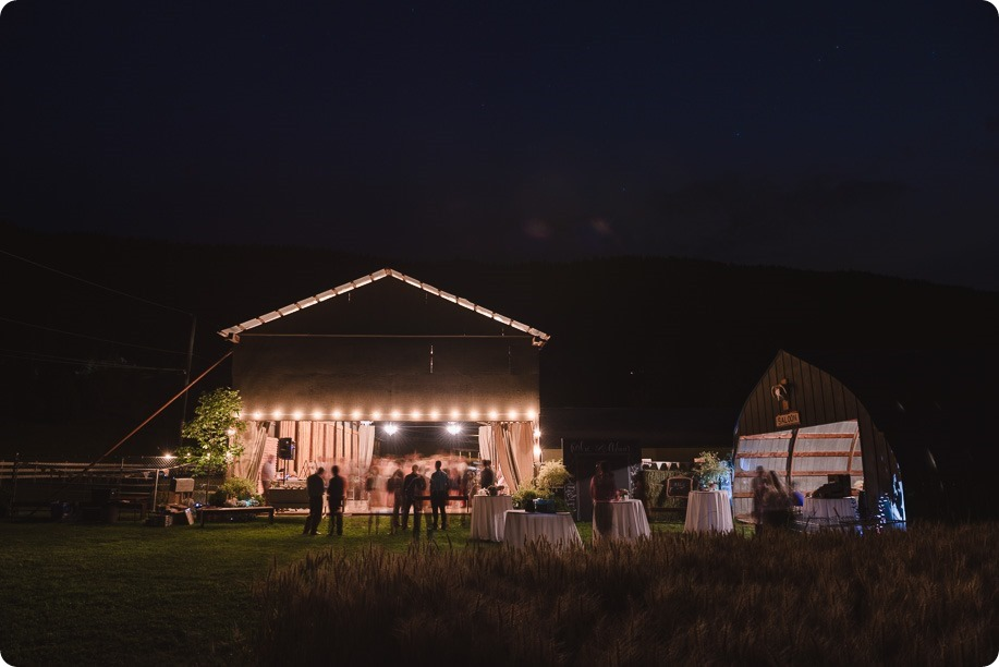 Vernon-Barn-wedding_Silver-Sage-Stables_vintage-decor_Kalamalka-lake-farm_Okanagan-photographer__by-Kevin-Trowbridge-photography_Kelowna_221755