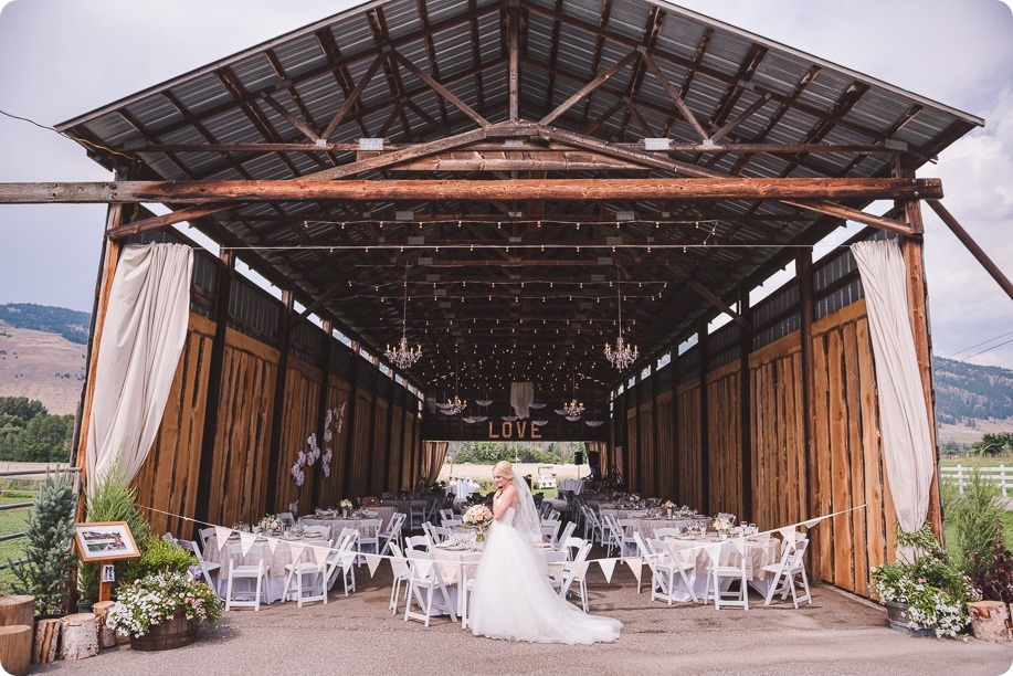 Vernon-Barn-wedding_Silver-Sage-Stables_vintage-decor_Kalamalka-lake-farm_Okanagan-photographer__by-Kevin-Trowbridge-photography_Kelowna_143013