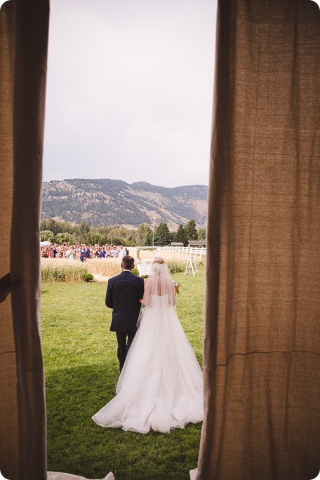 Vernon-Barn-wedding_Silver-Sage-Stables_vintage-decor_Kalamalka-lake-farm_Okanagan-photographer__by-Kevin-Trowbridge-photography_Kelowna_8014