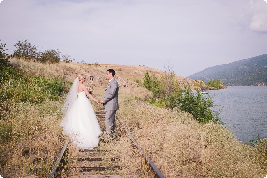 Vernon-Barn-wedding_Silver-Sage-Stables_vintage-decor_Kalamalka-lake-farm_Okanagan-photographer__by-Kevin-Trowbridge-photography_Kelowna_171524