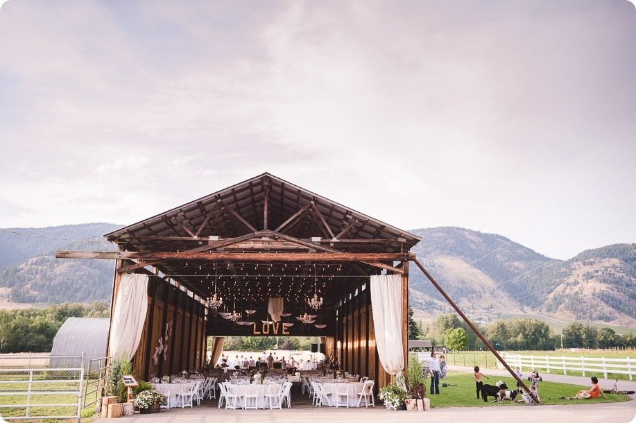 Vernon-Barn-wedding_Silver-Sage-Stables_vintage-decor_Kalamalka-lake-farm_Okanagan-photographer__by-Kevin-Trowbridge-photography_Kelowna_183942