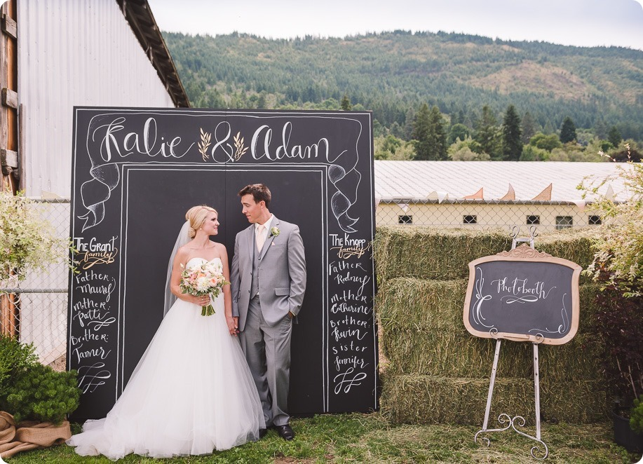 Vernon-Barn-wedding_Silver-Sage-Stables_vintage-decor_Kalamalka-lake-farm_Okanagan-photographer__by-Kevin-Trowbridge-photography_Kelowna_143835