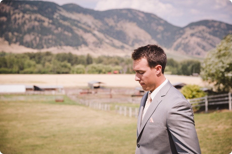 Vernon-Barn-wedding_vintage-decor_Kalamalka-lake-farm-Okanagan-photographer_19_by-Kevin-Trowbridge-photography_Kelowna