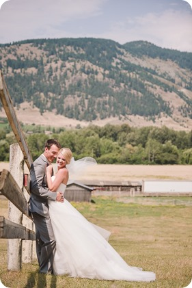 Vernon-Barn-wedding_vintage-decor_Kalamalka-lake-farm-Okanagan-photographer_29_by-Kevin-Trowbridge-photography_Kelowna