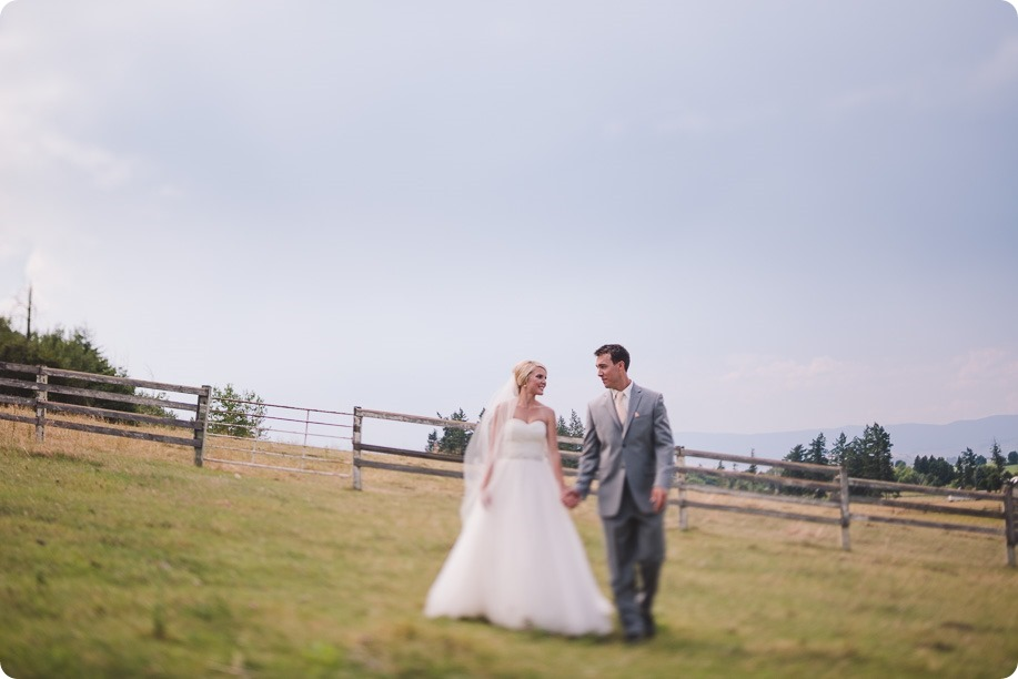 Vernon-Barn-wedding_vintage-decor_Kalamalka-lake-farm-Okanagan-photographer_33_by-Kevin-Trowbridge-photography_Kelowna