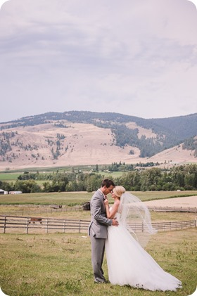 Vernon-Barn-wedding_vintage-decor_Kalamalka-lake-farm-Okanagan-photographer_35_by-Kevin-Trowbridge-photography_Kelowna