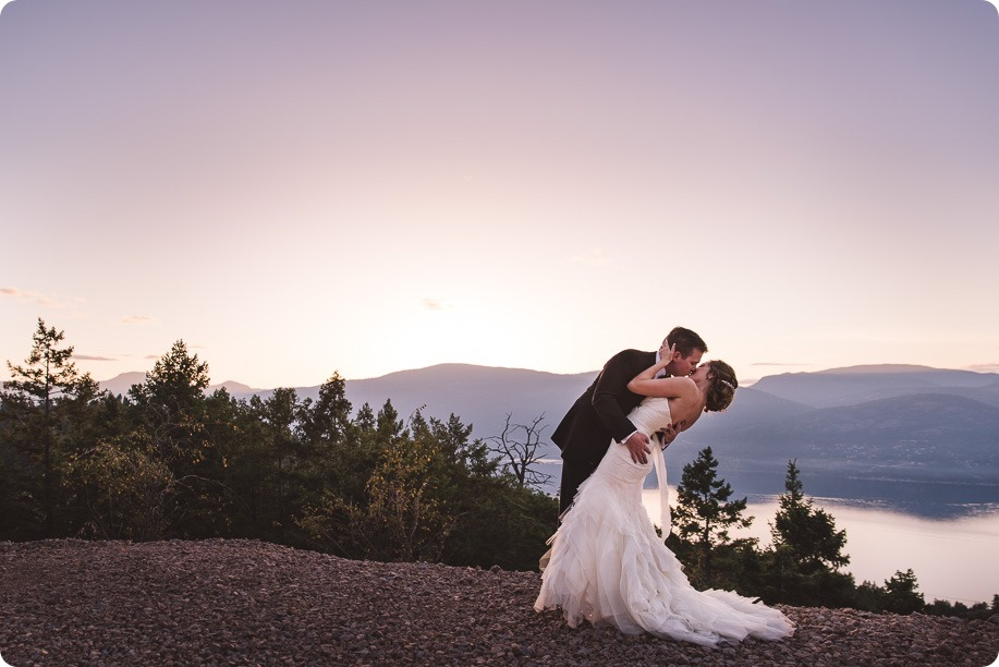 Sparkling-Hill-wedding_Gatsby-gold-glam_Okanagan-photographer_Victoria-and-Callum_by-Kevin-Trowbridge-photography_Kelowna_181016