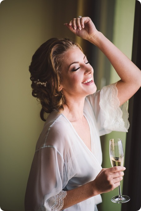 Sparkling-Hill-wedding_Gatsby-gold-glam_Okanagan-photographer_Victoria-and-Callum_by-Kevin-Trowbridge-photography_Kelowna_132623