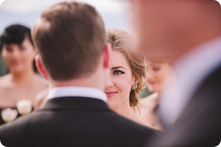Sparkling-Hill-wedding_Gatsby-gold-glam_Okanagan-photographer_Victoria-and-Callum_by-Kevin-Trowbridge-photography_Kelowna_141921