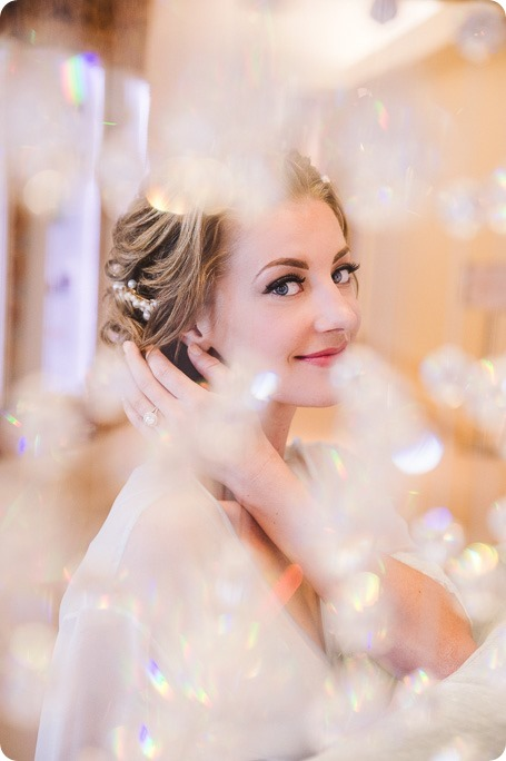 Sparkling-Hill-wedding_Gatsby-gold-glam_Okanagan-photographer_Victoria-and-Callum_by-Kevin-Trowbridge-photography_Kelowna_130523