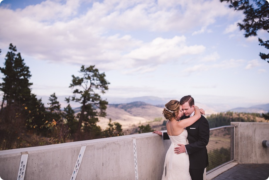 Sparkling-Hill-wedding_Gatsby-gold-glam_Okanagan-photographer_Victoria-and-Callum_by-Kevin-Trowbridge-photography_Kelowna_161912