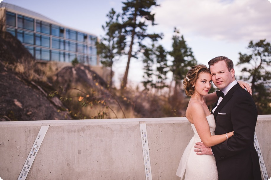 Sparkling-Hill-wedding_Gatsby-gold-glam_Okanagan-photographer_Victoria-and-Callum_by-Kevin-Trowbridge-photography_Kelowna_161925
