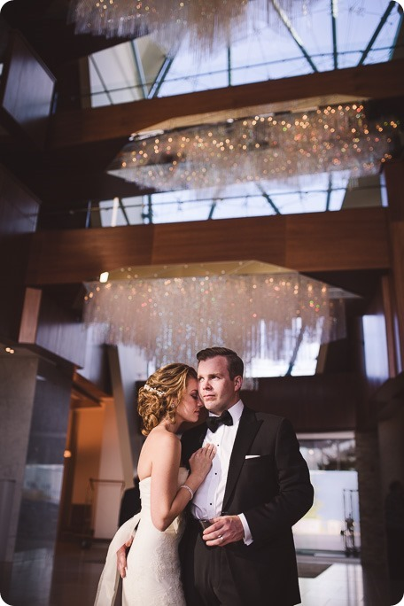 Sparkling-Hill-wedding_Gatsby-gold-glam_Okanagan-photographer_Victoria-and-Callum_by-Kevin-Trowbridge-photography_Kelowna_164350