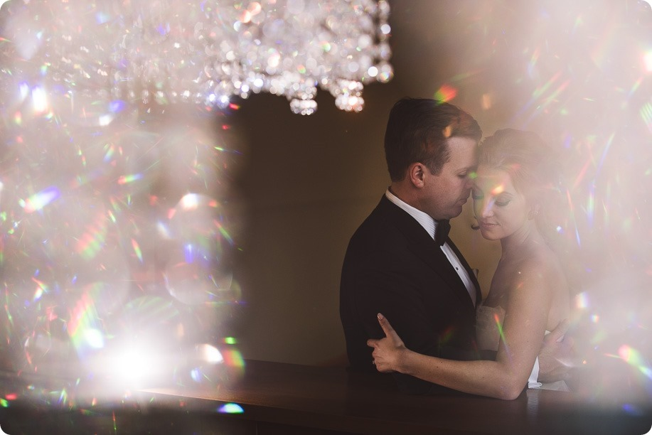 Sparkling-Hill-wedding_Gatsby-gold-glam_Okanagan-photographer_Victoria-and-Callum_by-Kevin-Trowbridge-photography_Kelowna_165845