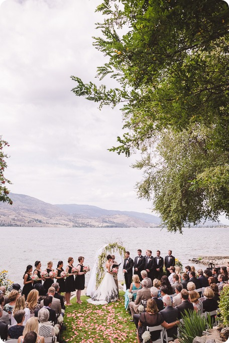 Penticton-Wedding_waterfront-Linden-Gardens_black-white_155_by-Kevin-Trowbridge-photography_Kelowna