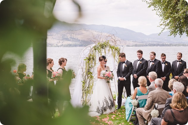 Penticton-Wedding_waterfront-Linden-Gardens_black-white_157_by-Kevin-Trowbridge-photography_Kelowna