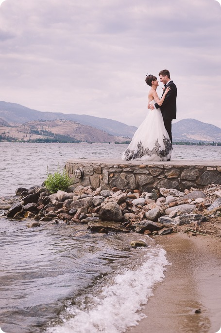 Penticton-Wedding_waterfront-Linden-Gardens_black-white_261_by-Kevin-Trowbridge-photography_Kelowna