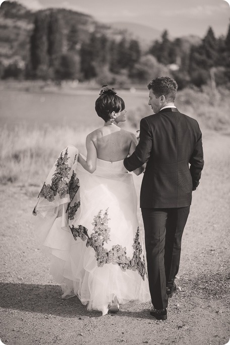 Penticton-Wedding_waterfront-Linden-Gardens_black-white_336_by-Kevin-Trowbridge-photography_Kelowna