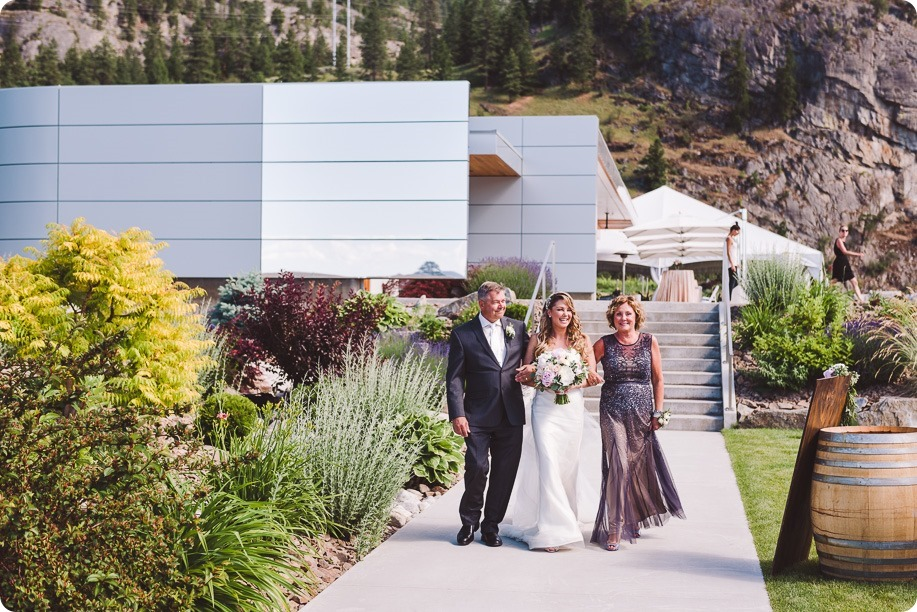 Painted-Rock-Wedding_Penticton_vineyard-lake-view_Created-Lovely_Classic-Creations_Sherrisse-and-Steven__by-Kevin-Trowbridge-28
