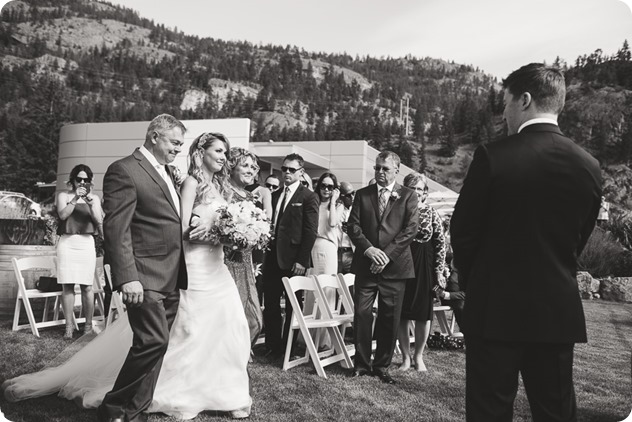 Painted-Rock-Wedding_Penticton_vineyard-lake-view_Created-Lovely_Classic-Creations_Sherrisse-and-Steven__by-Kevin-Trowbridge-33