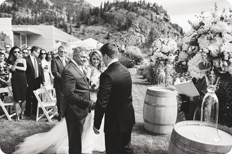 Painted-Rock-Wedding_Penticton_vineyard-lake-view_Created-Lovely_Classic-Creations_Sherrisse-and-Steven__by-Kevin-Trowbridge-37