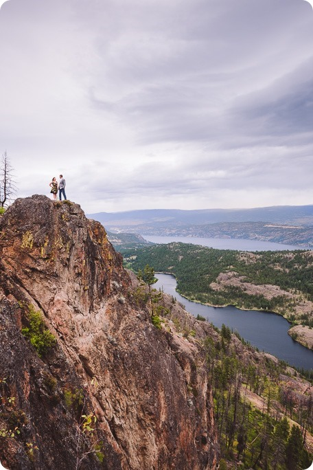 Kelowna-engagement-session-helicopter-mountaintop_Okanagan-Lake_vineyards-wine_by-Kevin-Trowbridge-photography_Kelowna_175247