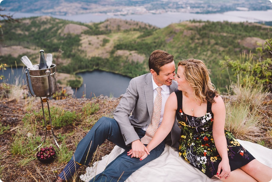 Kelowna-engagement-session-helicopter-mountaintop_Okanagan-Lake_vineyards-wine_by-Kevin-Trowbridge-photography_Kelowna_182808