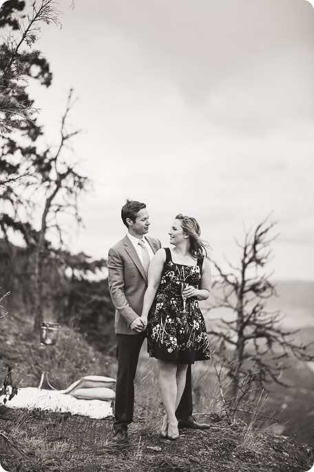 Kelowna-engagement-session-helicopter-mountaintop_Okanagan-Lake_vineyards-wine_by-Kevin-Trowbridge-photography_Kelowna_184513-2