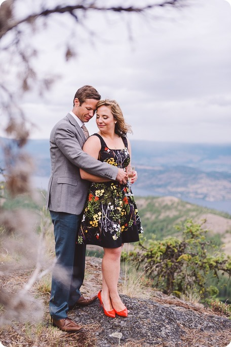 Kelowna-engagement-session-helicopter-mountaintop_Okanagan-Lake_vineyards-wine_by-Kevin-Trowbridge-photography_Kelowna_184242