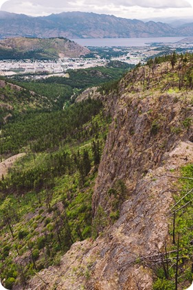 Kelowna-engagement-session-helicopter-mountaintop_Okanagan-Lake_vineyards-wine_by-Kevin-Trowbridge-photography_Kelowna_171752